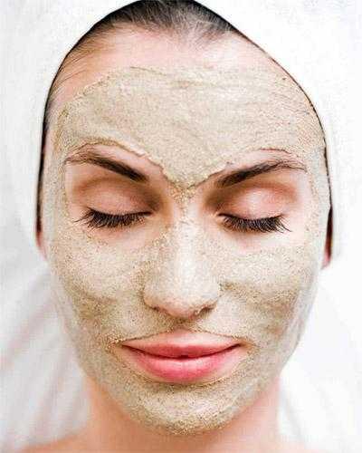 Домашняя маска с глиной или коалином