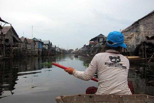 плавучие деревни в Камбодже