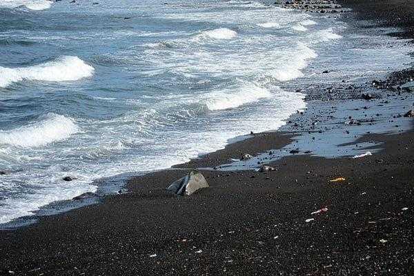 Пляжи с черным песком на Бали