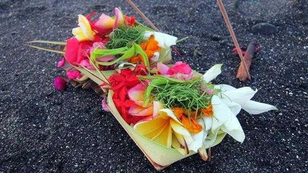 подношения духам на Бали