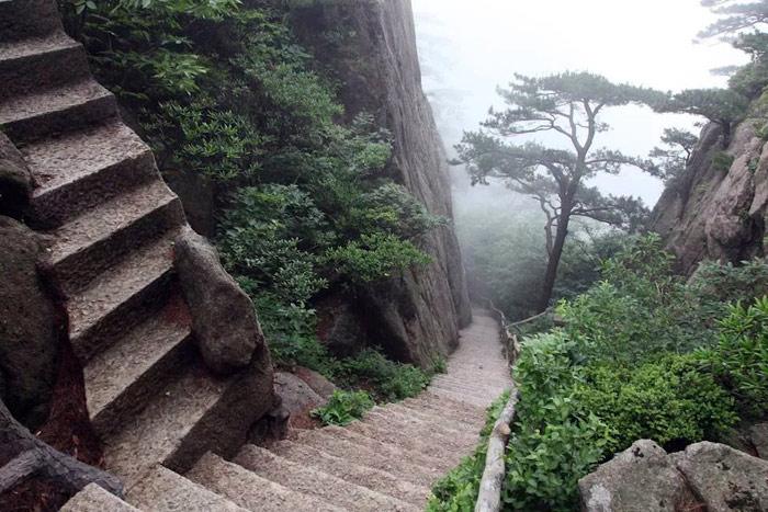 Смотреть только на шаг перед собой - лестница